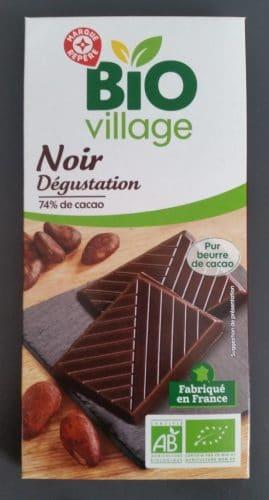 Une tablette de chocolat 74% BIO Village Marque Repère